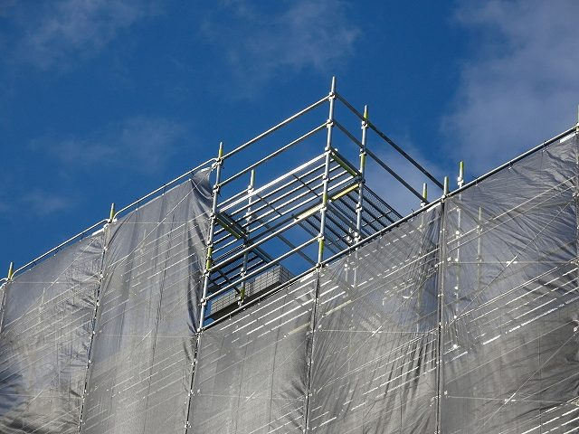 建屋の施工管理風景